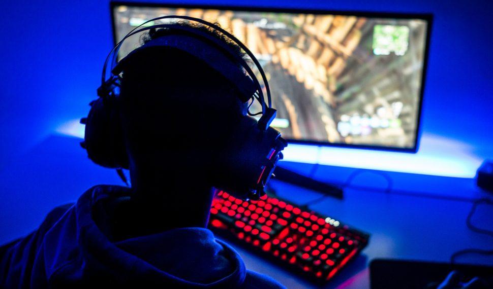 Un joven sufre derrame cerebral producto de 22 horas diarias de juegos