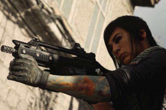 La modelo de Mara denuncia a 2 tramposos de Call of Duty: Warzone y son baneados de Twitch